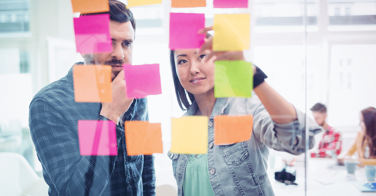 O que é briefing? Definição, importância e como fazer em 8 passos