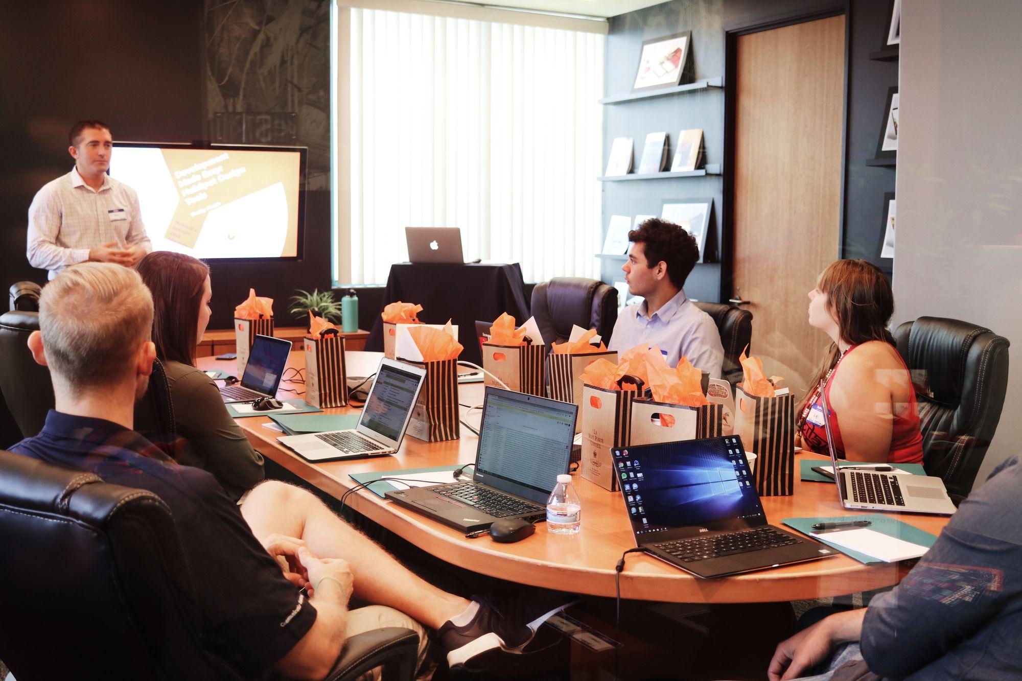 Como criar apresentações de slides de impacto para surpreender o cliente